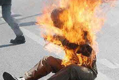 В Архангельской области мужчина сжег себя прямо на глазах у отца